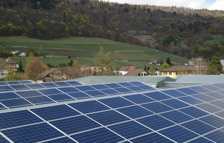 On the roofs of our production facilities in Cressier, 650 solar panels with a total area of 1069 m² are installed